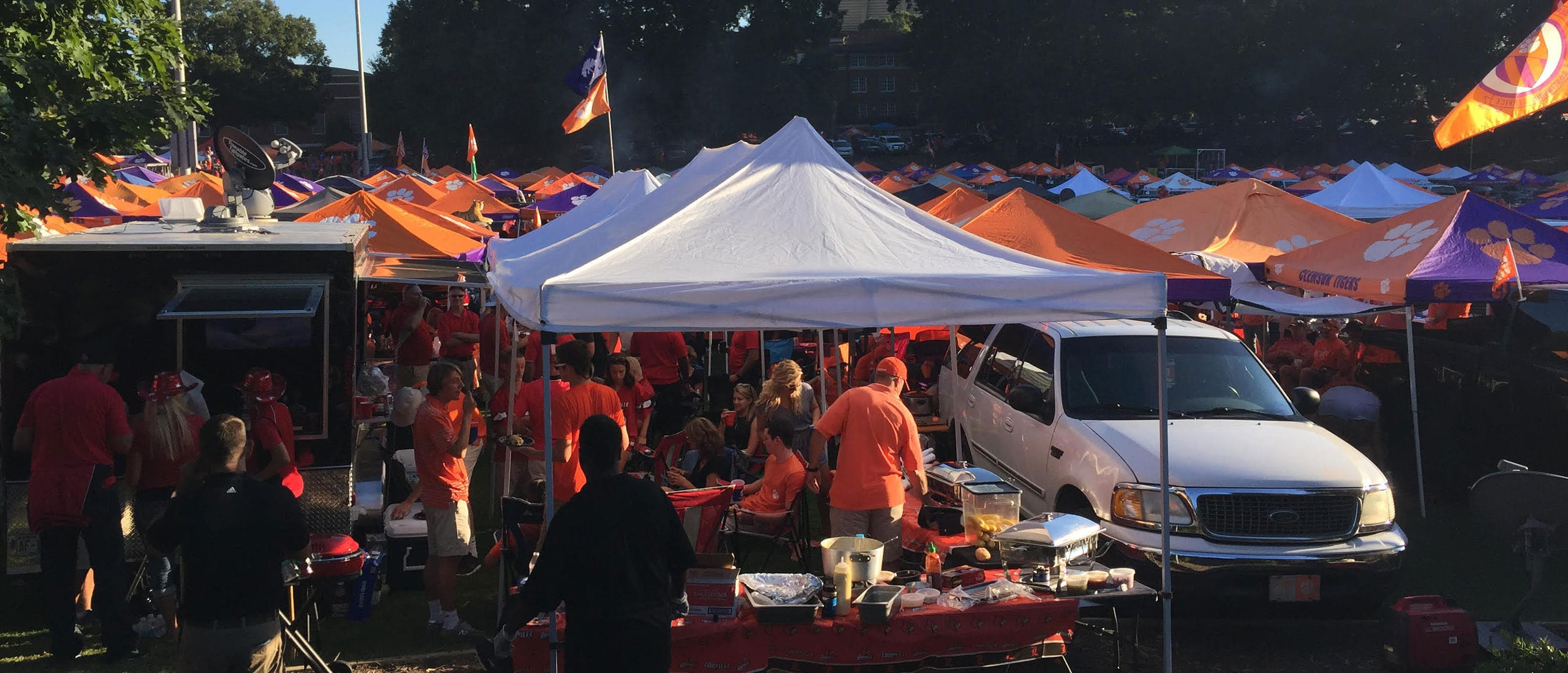 event-tailgating-services-tailgate-trailer-rentals
