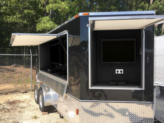 Tailgate-Tonic-Tailgating-Trailer-Rental-Company
