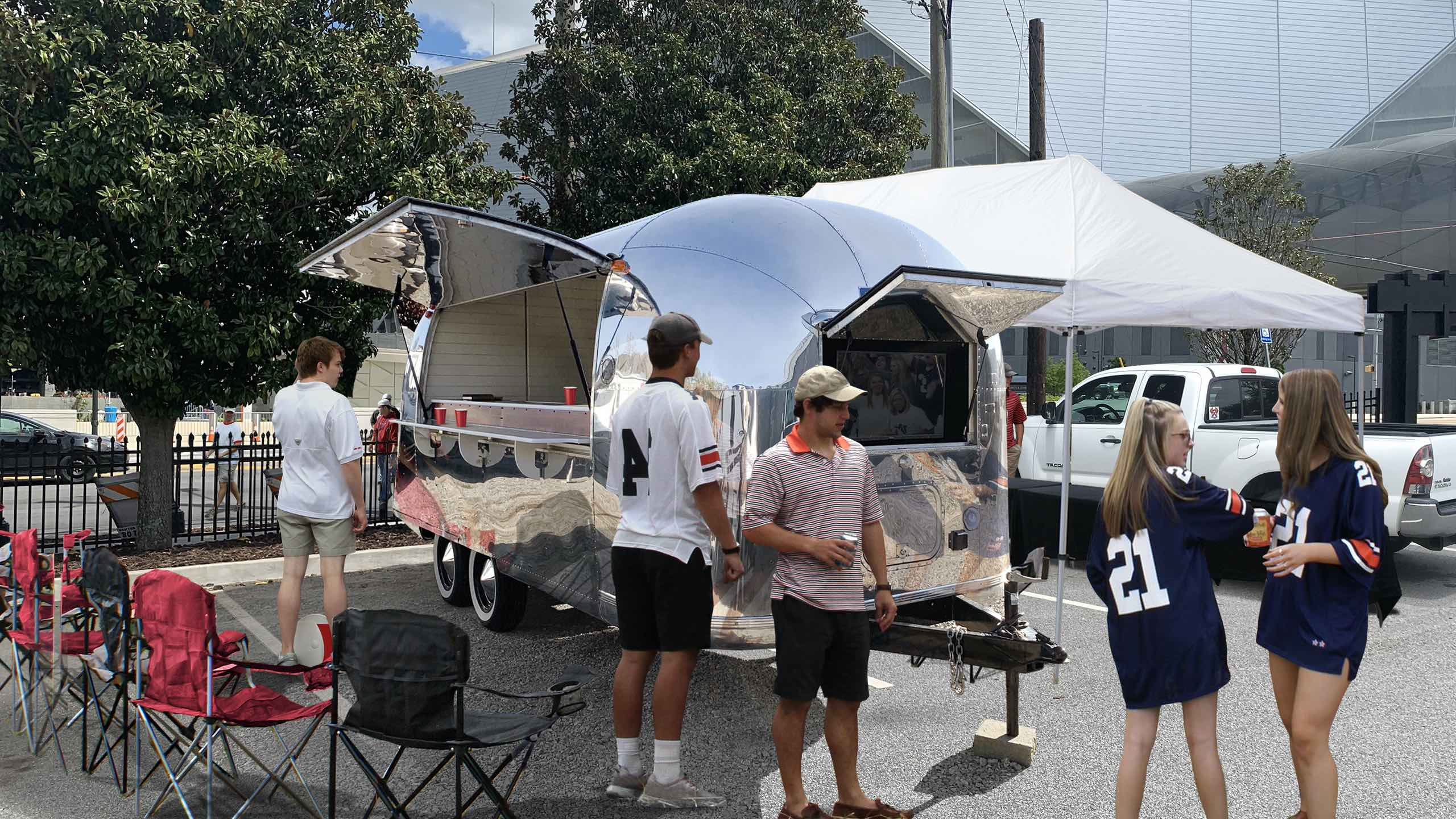airstream-tailgater-tv-football-rental
