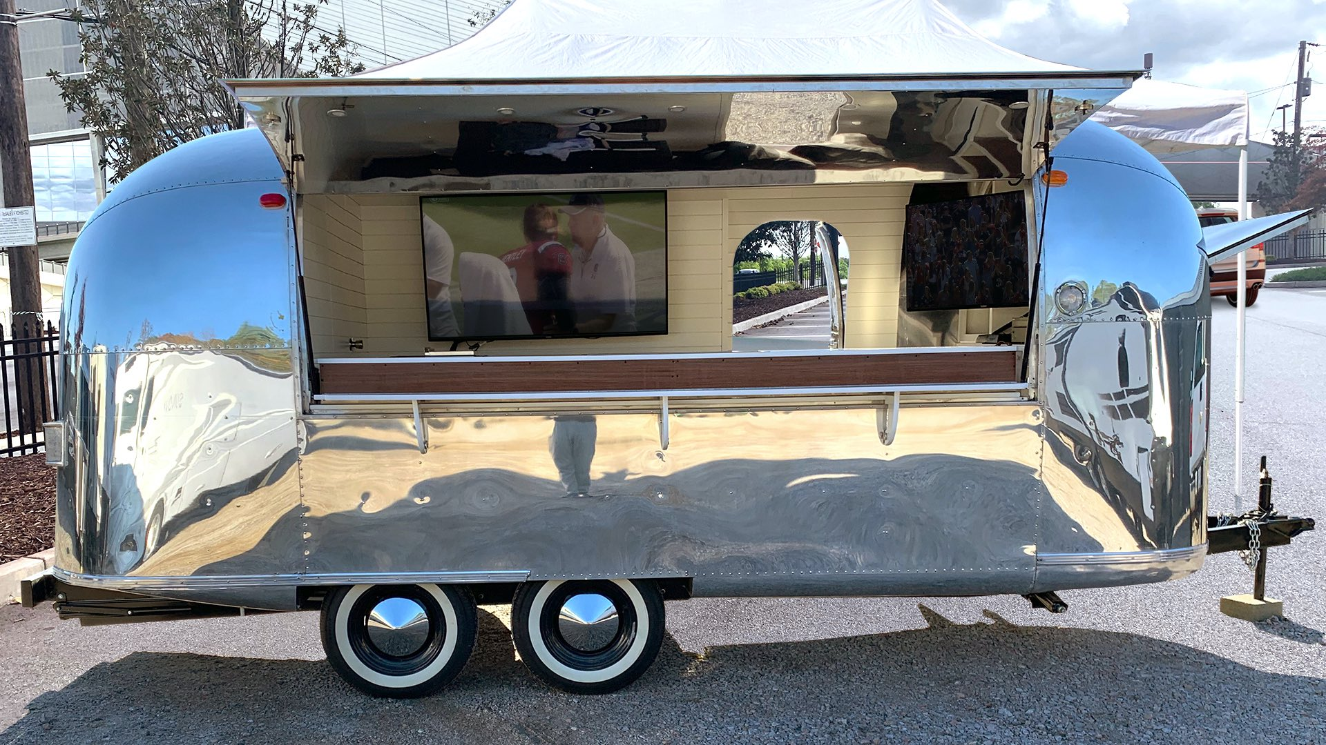 tailgate-airstream-trailer-rental-company