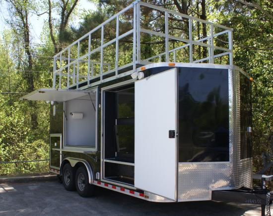 Tailgate-king-tailgating-trailer-for-rent